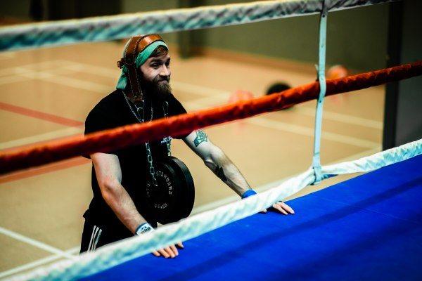 Boxeur à côté du ring